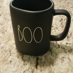 Rae Dunn 2018 Halloween mug